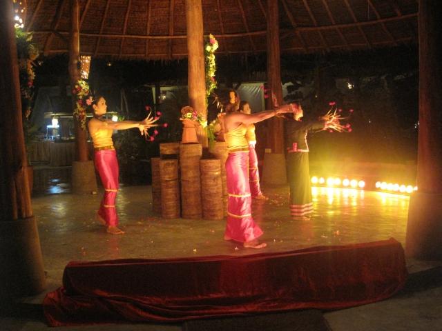 Phi Phi island resort show
